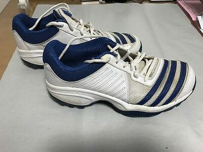 Boys/Mens Adidas Cricket Shoes size 8