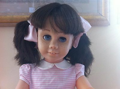 Darling Vintage Hard Face Brunette Pig Tail Chatty Cathy Doll Original Dress