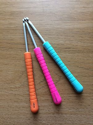 Pony Easy Grip Crochet Hooks  Sizes 3mm, 3.5mm or 4mm Availabe