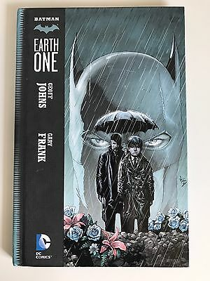 Batman - Earth One - #1 | HC / Hard Cover | DC Comics - July 2012