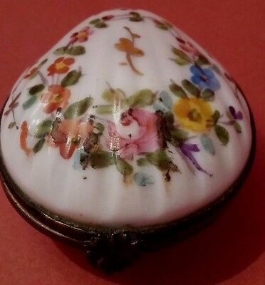 Pilulier en porcelaine EG et couronne Antique French pill