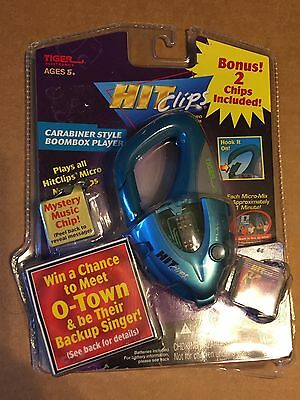Tiger electronics Hit Clips CARBINER STYLE BOOMBOX PLAYER WILD THING NOC