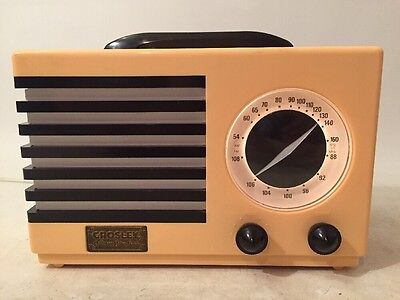 Crosley Reproduction AM/FM-Cassette Collector's Edition Radio Model CR-5 WORKS!