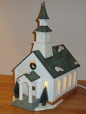COUNTRY CHURCH Christmas Light Up Building Display ceramic w/Box by Holiday Time