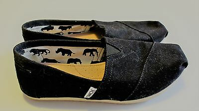 TOMS ~ Black Flats ~ Size US 8 Womens ~ AS NEW!