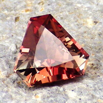 RASPBERRY RED-GREEN SCHILLER OREGON SUNSTONE 1.43Ct FLAWLESS-FOR UNIQUE JEWELRY!