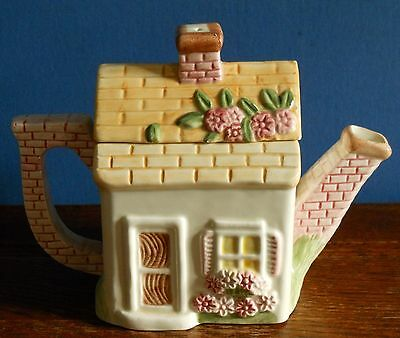 A Leonardo Garden Cottage Decorative collectable teapot