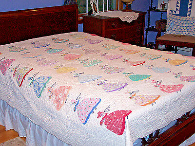 INCREDIBLE VINTAGE SOUTHERN BELLE QUILT, APPLIQUE & EMBROIDERY, 6-7 spi, c1930