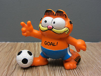 Vintage retro Garfield Collectible Figure FOOTBALL GOAL BULLY WEST GERMAN