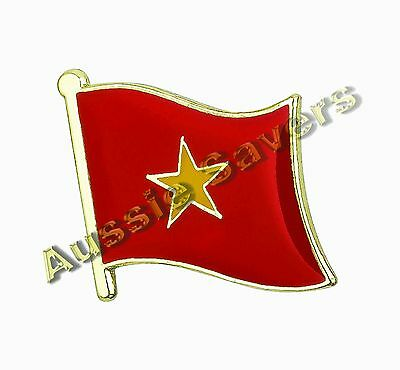 Vietnam Flag Hat Pin / Badge - Brand New