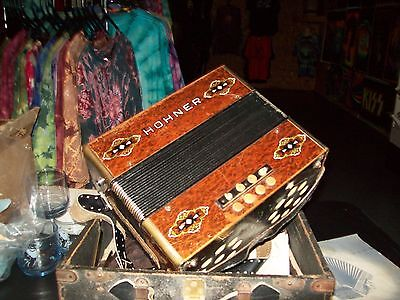 1940 Horner accordian,WITH CASE ALL PAPER I S GOOD Has music book