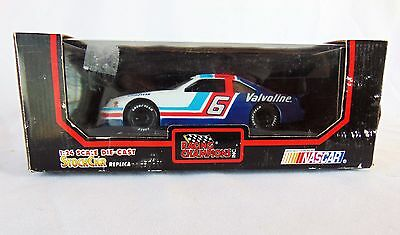 Mark Martin Racing Champions #6 Valvoline Nascar Stock Oldsmobile  1:24 - New
