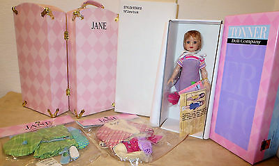 """exclusive Tonner Club Members -JANE 14""""NRFB doll ,New Trunk, 2 New Outfits"""