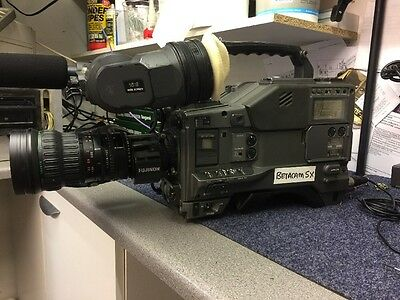 Sony DNW-9WSP Beta cam SX Video Camera With Lens And Power Supply