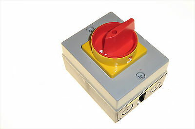 32 Amp 4 Pole Isolator IP65 Polycarbonate Enclosure Europa Components LB324P 32A