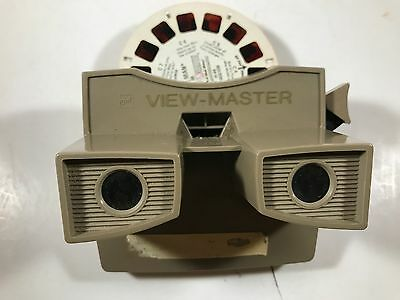 Vintage view master with 15 reels