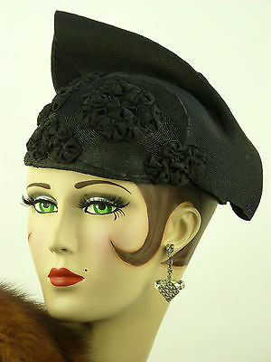 VINTAGE HAT 1930s FRENCH, V RARE BLACK SCULPTED COUTURE HAT w GROSGRAIN ROSETTES