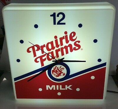 VINTAGE NIB Lighted Clock PRAIRIE FARMS DAIRY MILK Duralite 1992 Excellent