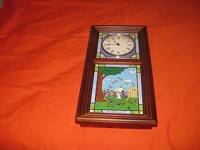 The Danbury Mint The Peanuts Stained Glass Clock