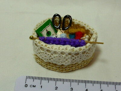 1:12 Scale Sewing Basket Dolls House Miniature