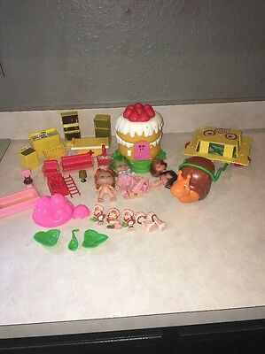 Vintage Strawberry Shortcake Lot Dolls Snail Wagon Cake House & Accessories