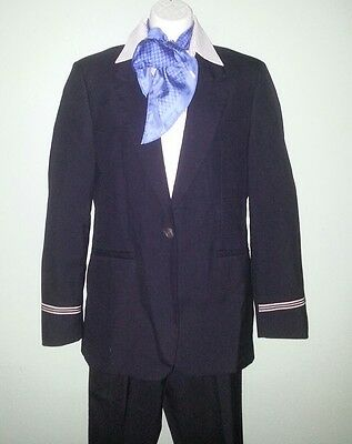 Sz. 8R American Airlines Flight Attendant discontinued AA crew uniform and scarf