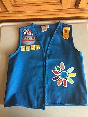 DAISY GIRL SCOUTS VEST Patches+Pins SIZE S/M 7-8 / 10-12