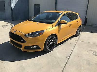 2015 Ford Focus ST 2015 Ford Focus ST st3 package 10 k miles Recaro Sony Sun roof Heated seats