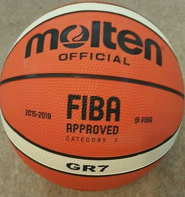 Molten Gr7 Basketball Fiba Approved 12 Panel Official Ball Red/Silver Size 7