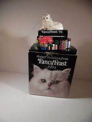 Fancy Feast Christmas 1994 Cat on Piano - Original Box