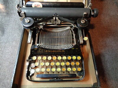 CORONA FOLDING PORTABLE TYPEWRITER  W/CASE The Personal Writing Machine