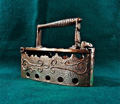 Antique Collectible Brass Sad Iron Very Attractive Whit Great Design