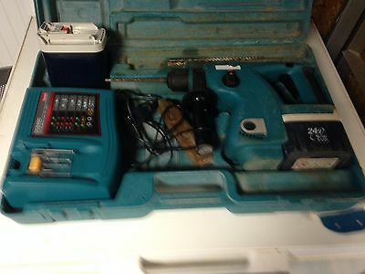 perceuse makita bhr 200 chargeur et batterie neuf