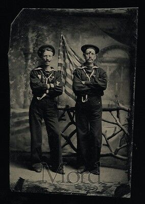 ANTIQUE 1800s Tintype Photo / Navy Sailors with US Flag
