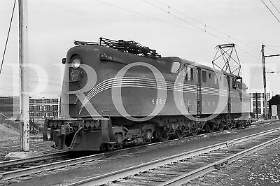 ORIG 2 1/4 x 3 1/4 B/W NEGATIVE Pennsylvania PRR GG-1 #4862 Newark NJ 1950