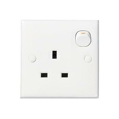 Clipsal 1 Gang Single Switched Socket mains Electrical 13A 240V WHITE New E15