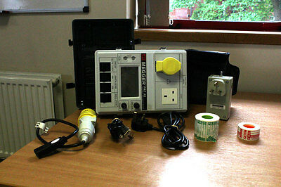 Megger PAT32 PAT Tester (Used) with ELT1 Extension Lead Tester