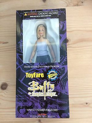 Buffy The Vampire Slayer Figure -  Toy Fare Exclusive - Moore Action  Brand New
