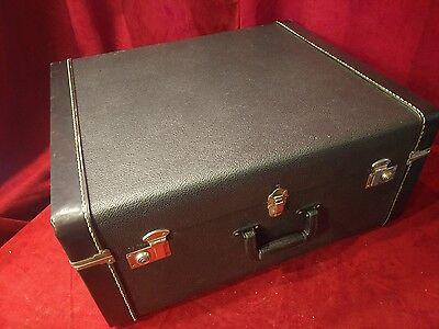 "JAM10 - Used Italian Accordion Hard Case 23.75"" x 20"" x 11"" Excellent"
