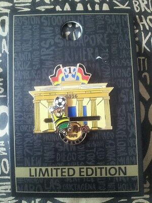 HRC Hard Rock Cafe 2016 Berlin Bear Goal Keeper Soccer Pin New Limited Edition