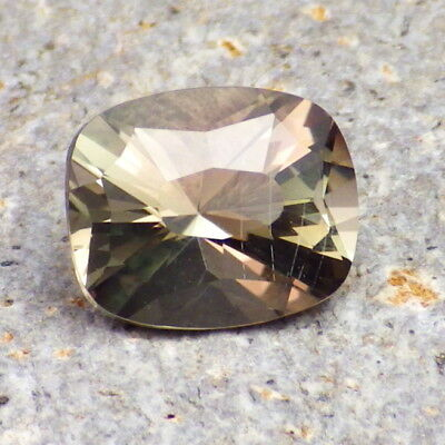 SEAFOAM DICHROIC OREGON SUNSTONE 3.45Ct SI2+CRYSTAL PLANE LINES-VERY RARE COLOR!