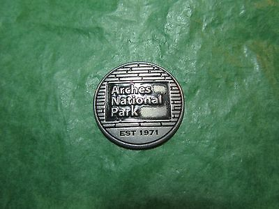 Arches National Park Delicate Arch Utah Metal Token Travel Souvenir -T15