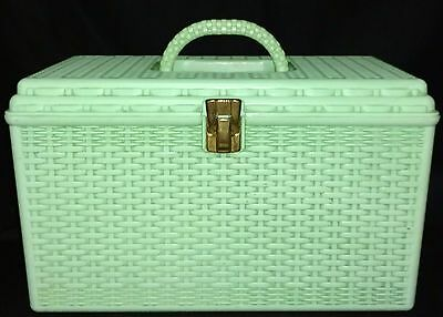 Vintage Jadeite Green Wil-Hold Wilson USA Basket Weave Plastic Sewing Box