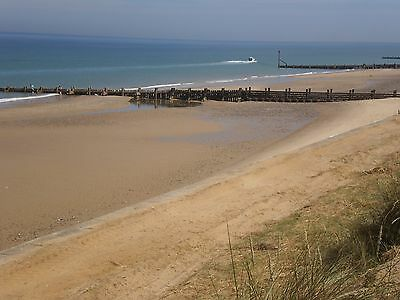 Fabulous Norfolk Holiday Cottage/chalet Just 50 Paces From The Beach