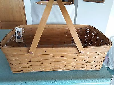 Longaberger Large Gathering Basket in Warm brown stain with protector  NEW