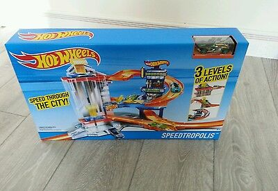 Hot Wheels Cars Toy Speedtropolis Garage & Track 3 Levels Plus 1 x Car New Boxed