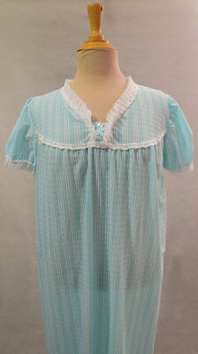 Retro Blue Seersucker Nightgown - Large - 1960s or 1970s