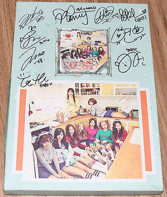 MOMOLAND 어마어마해 1st Single K-POP REAL SIGNED AUTOGRAPHED PROMO CD + KIHNO ALBUM