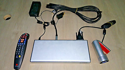 Full Polycom RealPresence Group 300 inc. Camera, remote, power, codec, cables