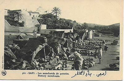 Maroc, Safi, Les marchands de poteries, photo Flandrin
